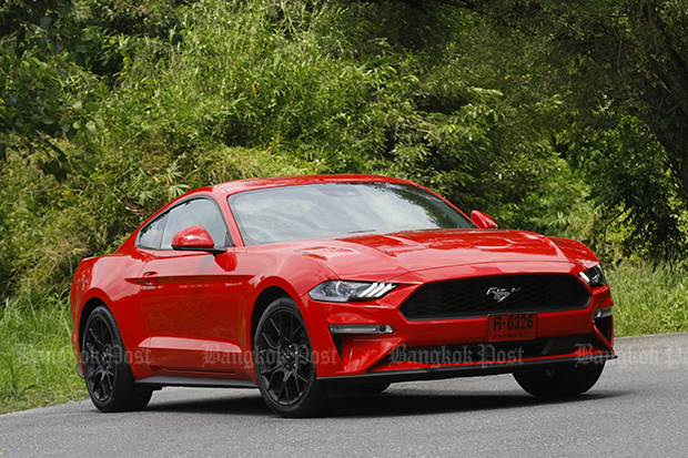 Ford Mustang 2.3 EcoBoost facelift (2018) review