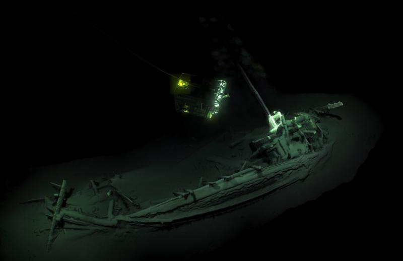The remains of an ancient Greek trading ship lay on the sea bed at the bottom of the Black Sea near Bulgaira. (AFP/Black Sea MAP/EEF Expeditions photo)