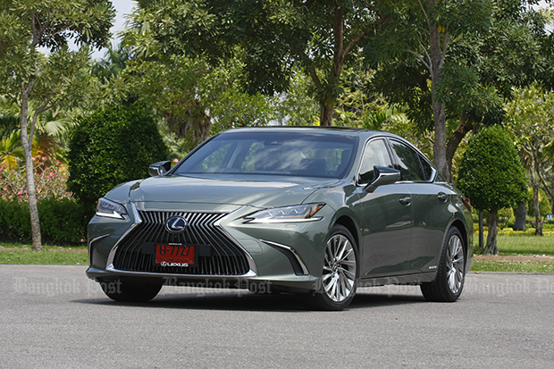 Lexus ES300h Premium (2018) review