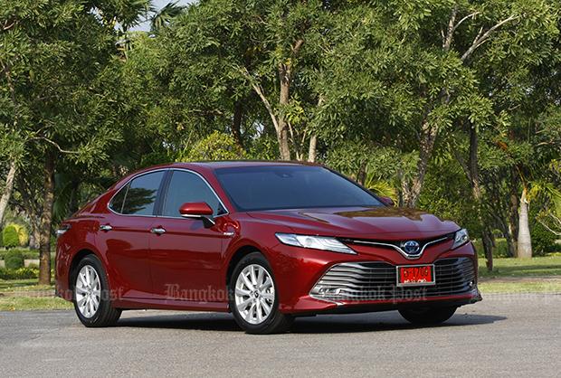 Toyota Camry HV Premium hybrid (2018) review