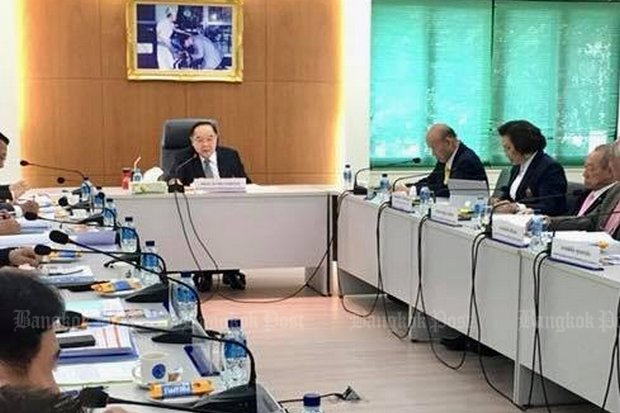 Deputy Prime Minister Prawit Wongsuwon chairs a meeting on regulating muay Thai on Wednesday at the Ministry of Sports and Tourism. Gen Prawit is president of the National Olympic Committee of Thailand. (Photo via Twitter/@wassanananuam)
