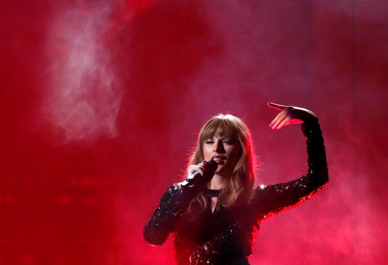 Taylor Swift seeks higher payouts for others
