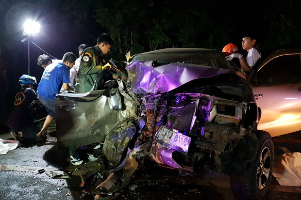 A scene from the severe car accident in Kanchanaburi. (Photos by Piyarat Chongcharoen)