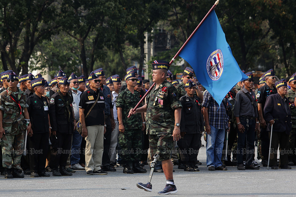 Former troops join parade marking War Veterans Day