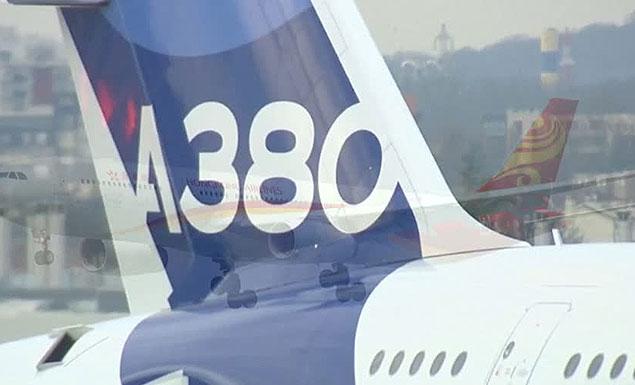 Airbus A380 under threat as Qantas pulls order