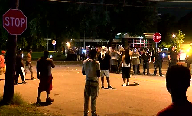 Riot in Memphis after fatal police shooting