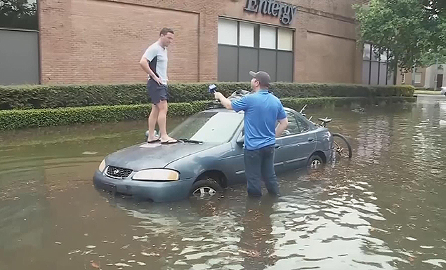 Flooded New Orleans braces for possible hurricane