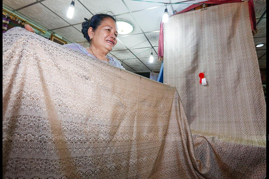 Thai Silk, the local way -3