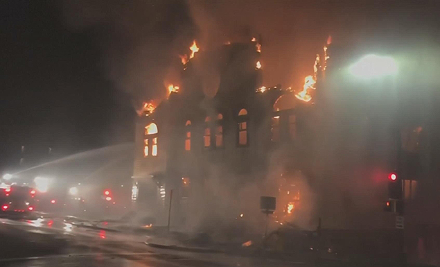 Police arrest man in connection with Duluth synagogue fire