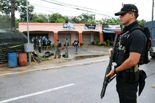 Police hunt 'political hitmen'
