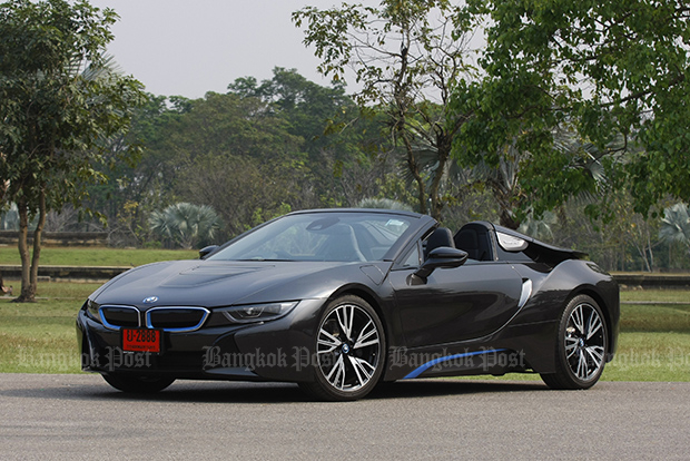 BMW i8 Roadster (2019) review