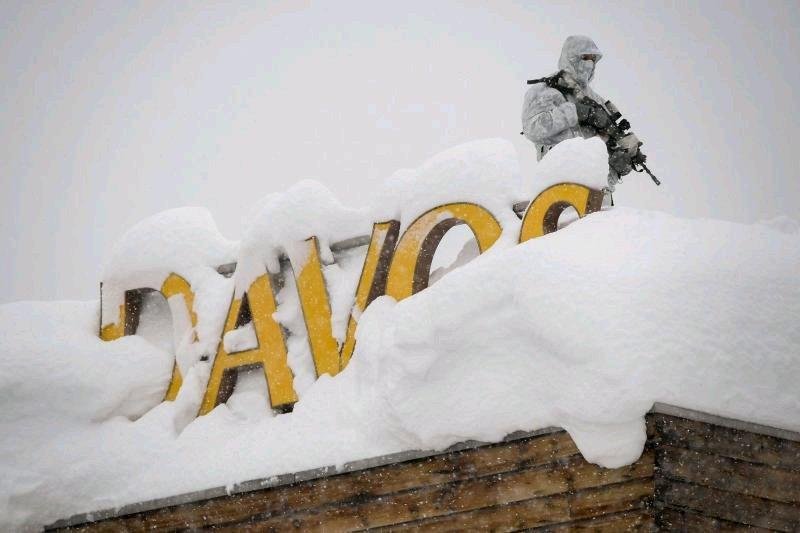 Davos elites face 'warning of populist rage'