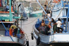 Payouts on offer for fishermen to quit