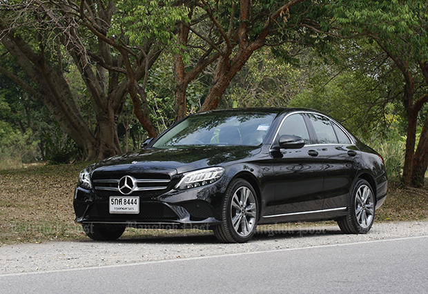 Mercedes-Benz C220d facelift (2019) review