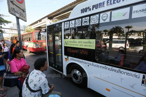 Electric buses have been tested on Bangkok routes, but the Bangkok Mass Transit Authority (BMTA) never has committed to employing them. (File photo)