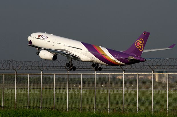 Thai Airways International reports a loss of 11.6 billion baht for 2018, compared to a loss of 2.1 billion baht in 2017. (Bangkok Post file photo)