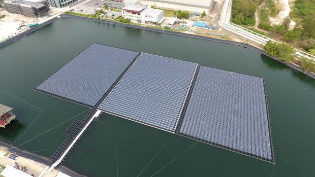 A floating solar farm is shown at a pond at SCG Chemicals' plant in Rayong's Map Ta Phut Industrial Estate. (Photo supplied by SCG)