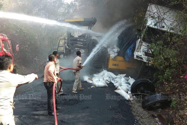 Truck kills 3, injures 6 on downhill road