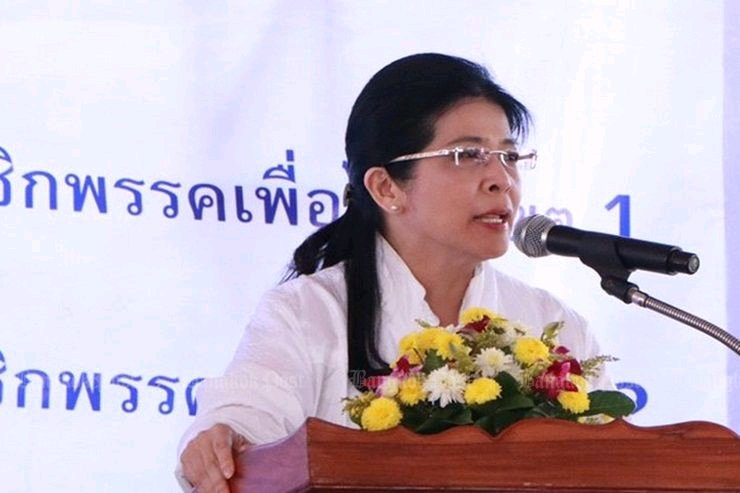 Pheu Thai candidate for prime minister Khunying Sudarat Keyuraphan: Democrats must make a choice. (Post Today photo)