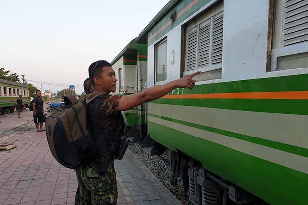 Insurgents fire shots at train in Narathiwat