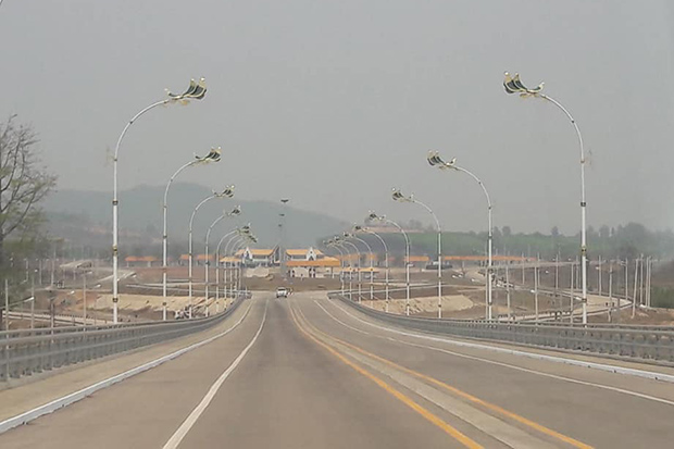 The second Thai-Myanmar Friendship Bridge between Mae Sot district of Tak and Myawaddy in Myanmar will be opened on Tuesday. (Photo by Assawin Pinitwong)