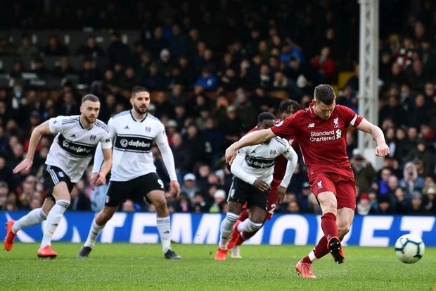 Liverpool go top as Chelsea crash
