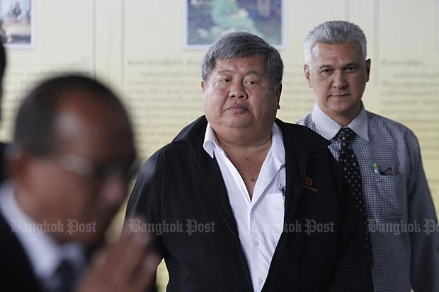 Construction tycoon Premchai Karnasuta, centre, will be at the Thong Pha Phum Provincial Court on Tuesday for judgement in the black leopard poaching case. (Photo by Pornprom Satrabhaya)