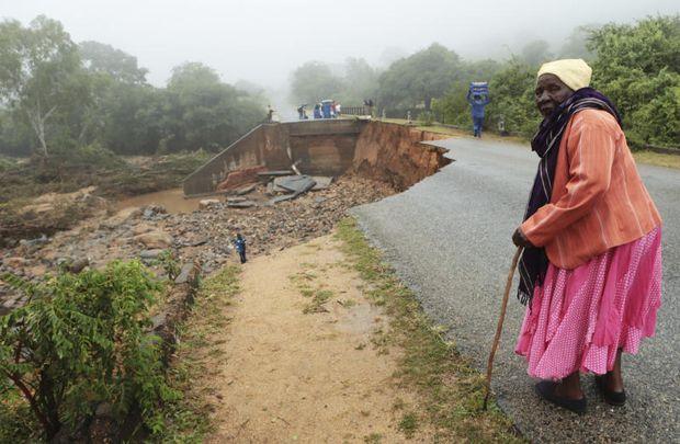 Zimbabwe cyclone survivors tearfully list dead relatives