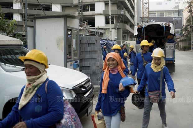 Contractors raise wage hike alarm