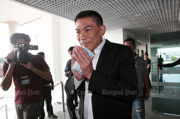 Chonsawat Asavahame arrives at the Central Criminal Court for Corruption and Misconduct Cases in Dusit district, Bangkok, on Thursday. (Photo by Chanat Katanyu)