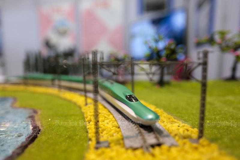 A high-speed train model is on display at the Rail Asia 2019 Expo forum at Makkasan Airport Rail Link station on Thursday. (Photo by Patipat Janthong)