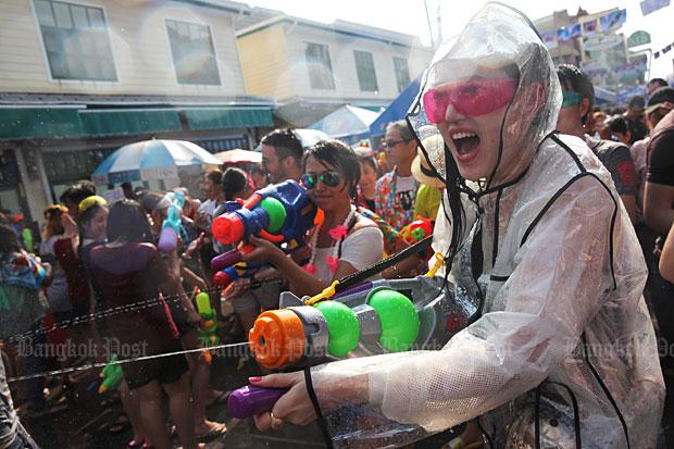 Songkran at Khao San Road. (Bangkok Post file photo)
