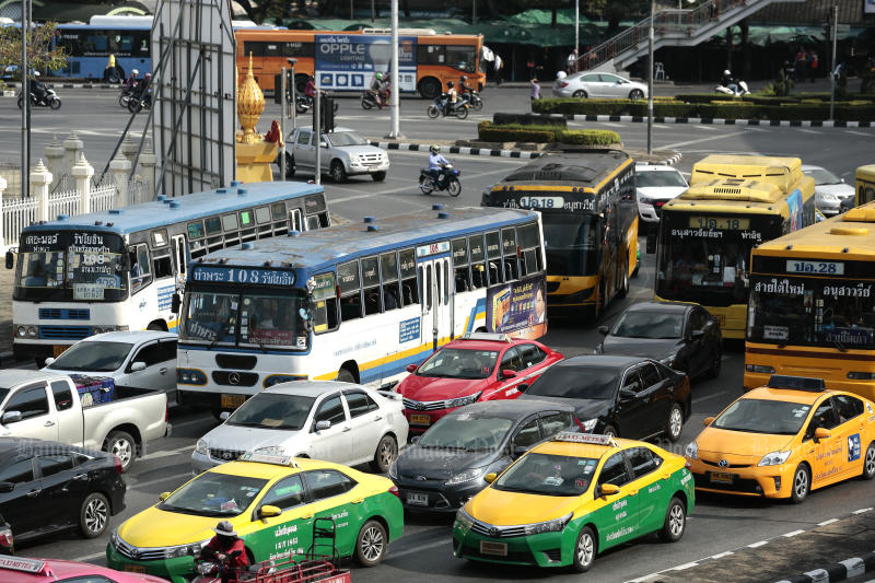 Natural gas prices for public transport will be increased from May. (Photo by Patipat Janthong)