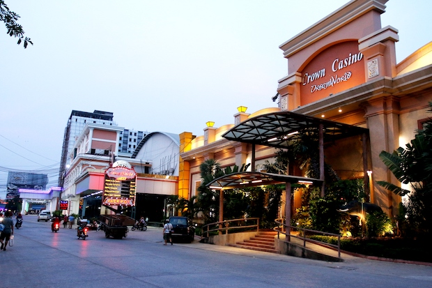 Poipet is home to 22 casinos, employing about 10,000 Cambodians and more than 1,200 foreigners. (Kyodo Photo)