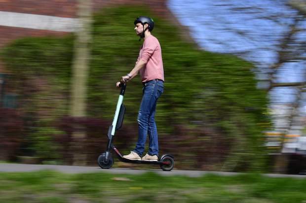 France to ban e-scooters from footpaths
