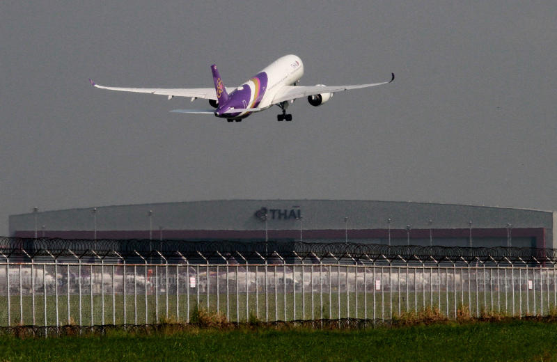 Thai Airways tops five state enterprises that the State Enterprise Policy Office hopes to see a turnaround. (Photo by Somchai Poomlard)
