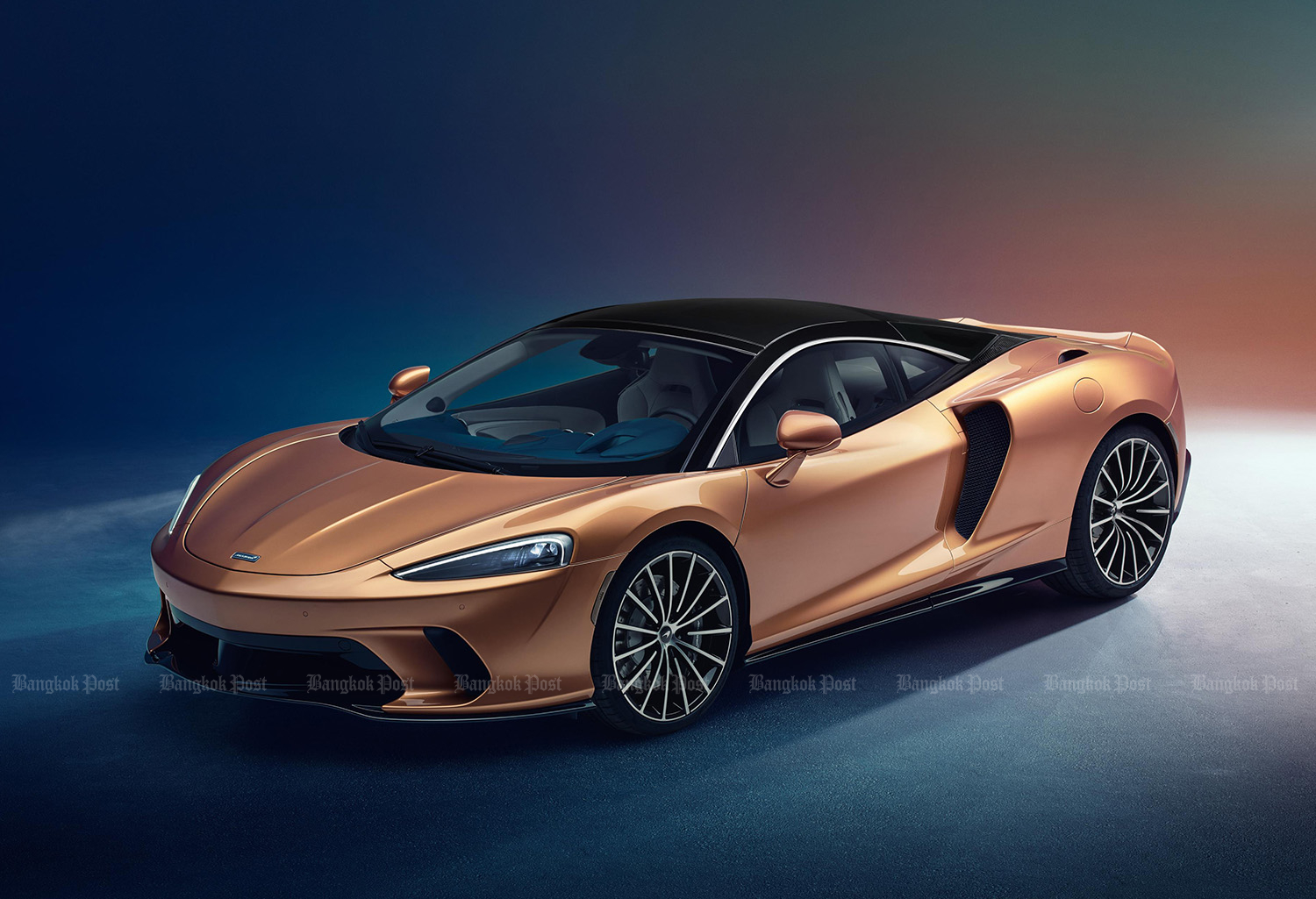 2019 McLaren GT aims for easygoing drivers