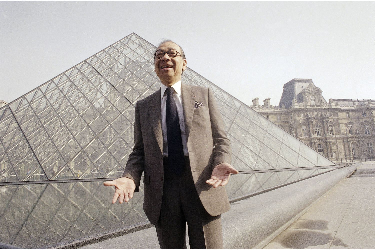 Louvre Pyramid architect dies at 102