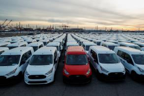 Trump delays tariffs on car imports