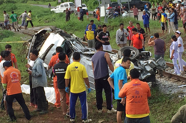 Two killed in Surat Thani pickup-train crash
