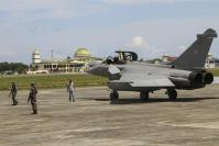 7 French fighter jets make emergency landing in Indonesia