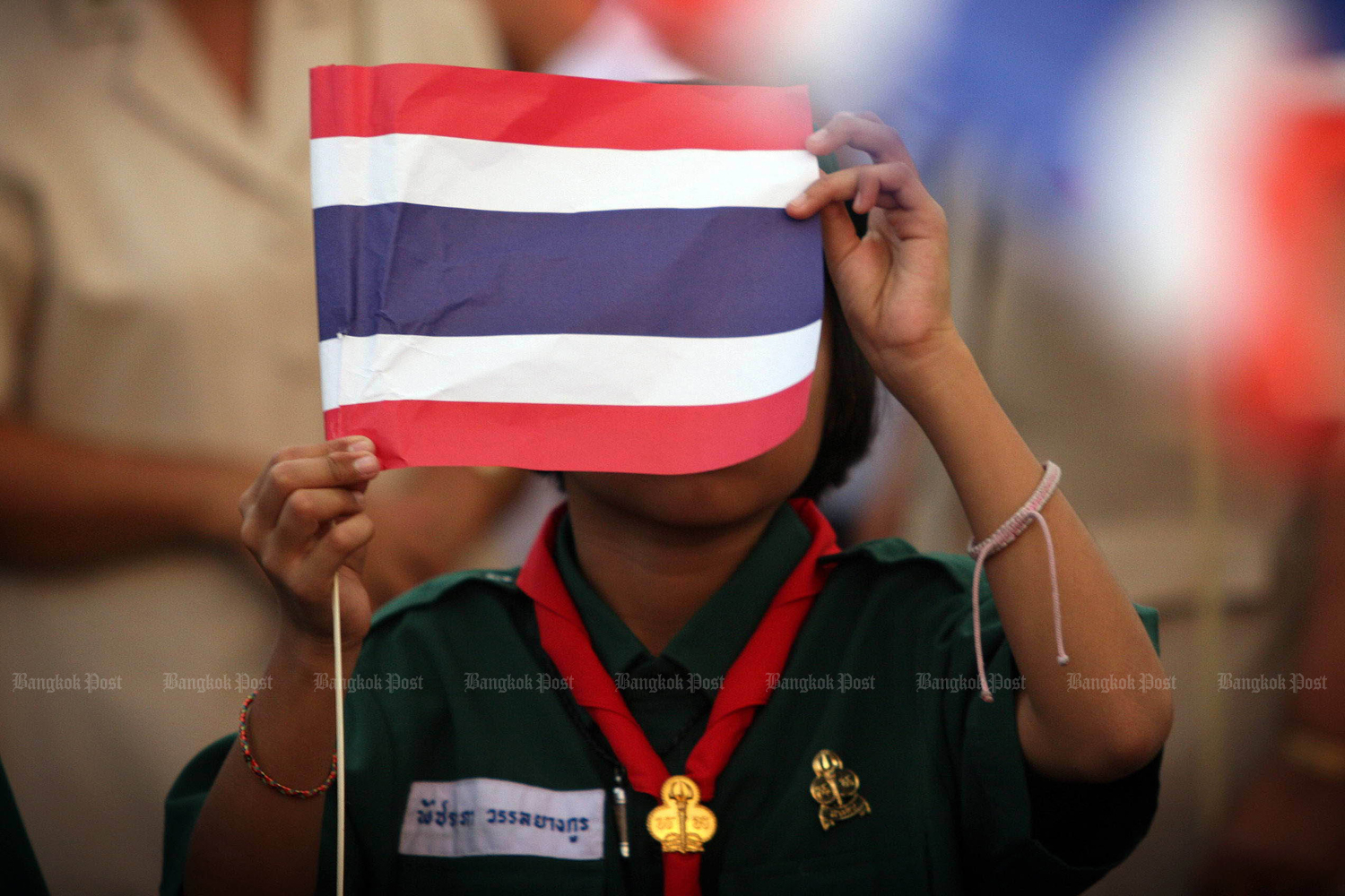 The government will re-edit a music video accompanying the Thai national anthem to feature more Buddhist imagery. (Post Today photo)
