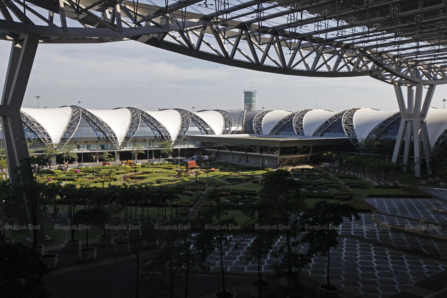 Suvarnabhumi airport will have a rail link to connect with Don Mueang and U-tapao airports in the future.