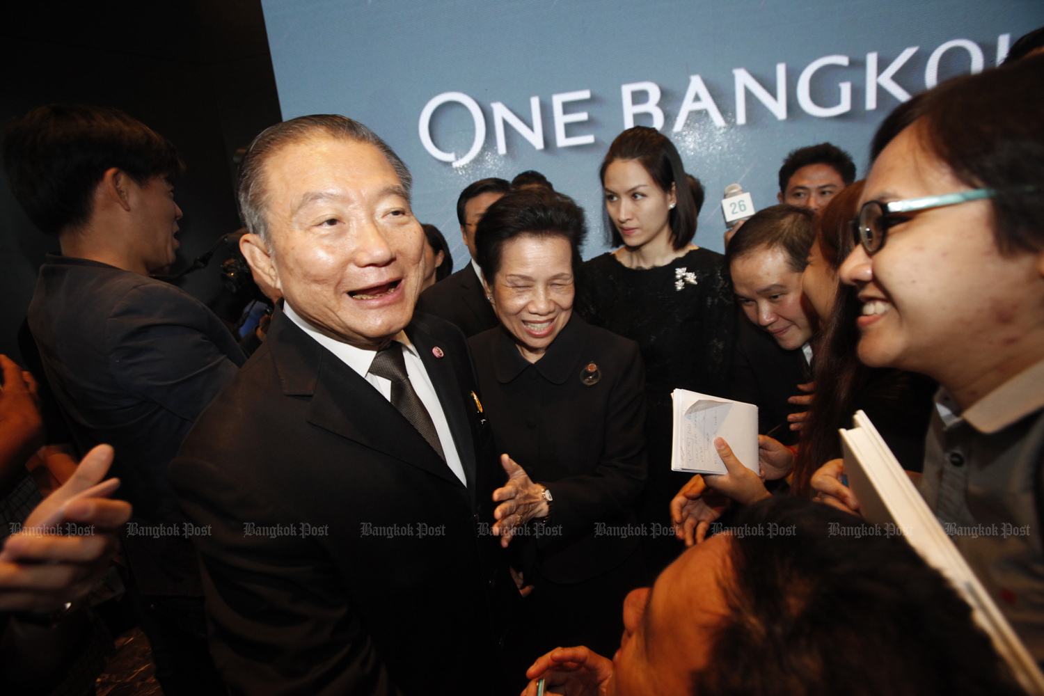 Charoen Sirivadhanabhakdi adds 80 billion baht more to his fortune even before snapping up Starbucks Corp's operations in the country. (Bangkok Post file photo)