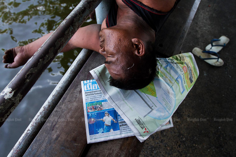 A homeless person in Bangkok. (Bangkok Post file photo)