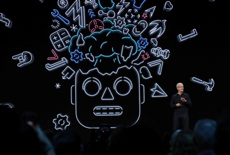 Apple leaves iTunes behind as it harmonises software