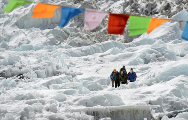 Four bodies found during Mount Everest clean-up