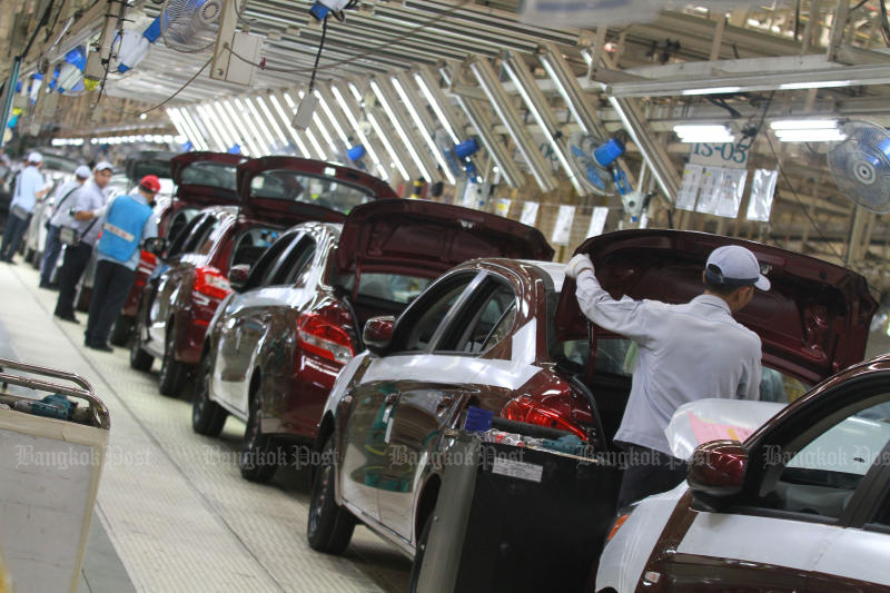 May auto output dips on export slowdown