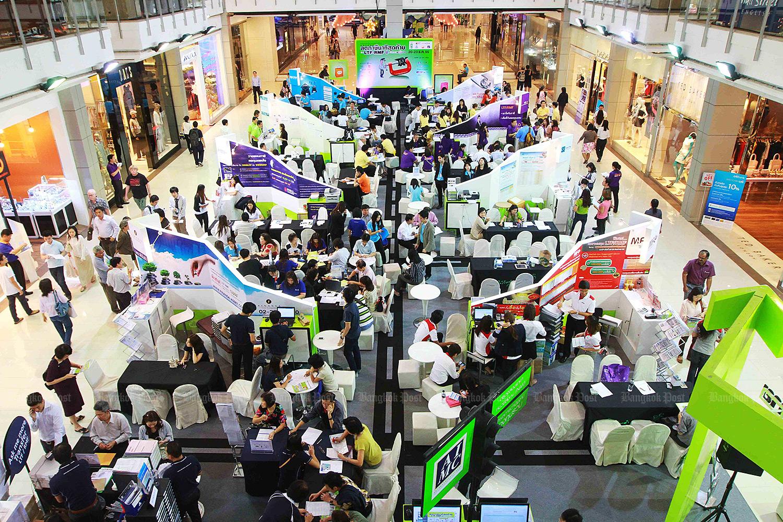 LTF investment fair. (Bangkok Post file photo)