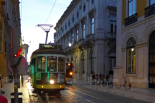 TEST YOURSELF: Lively Lisbon
